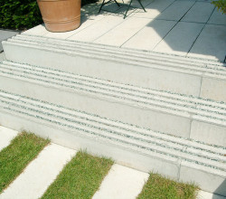 Treppen zur Terrasse